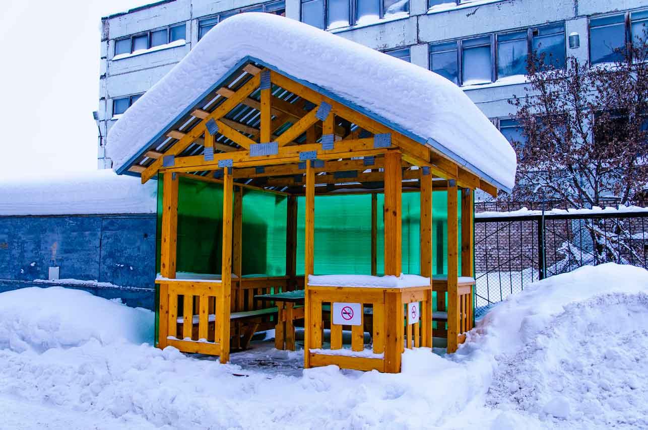 фото беседки павильона зимой неон или